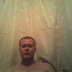 Парень, ищу девушку для виртуального секса